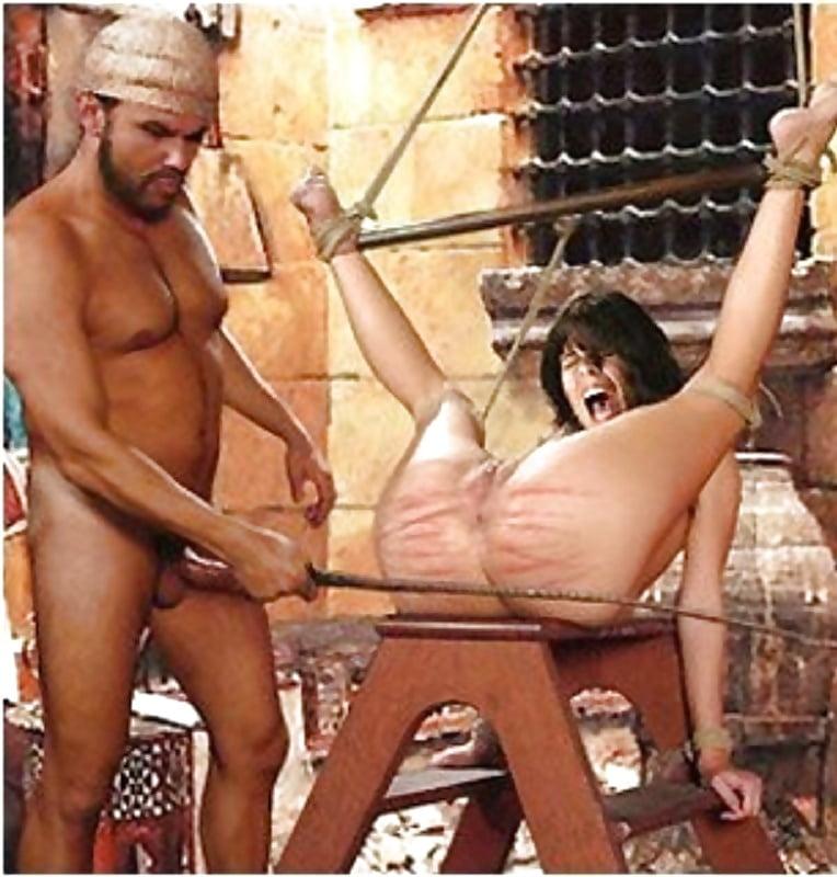 Индийская царица ебется с рабами #7