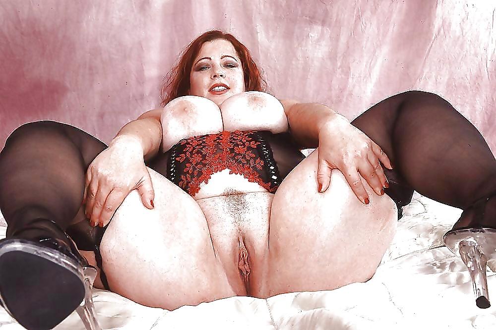 Зрелая бабище порно, женщины сексуальные на кровати