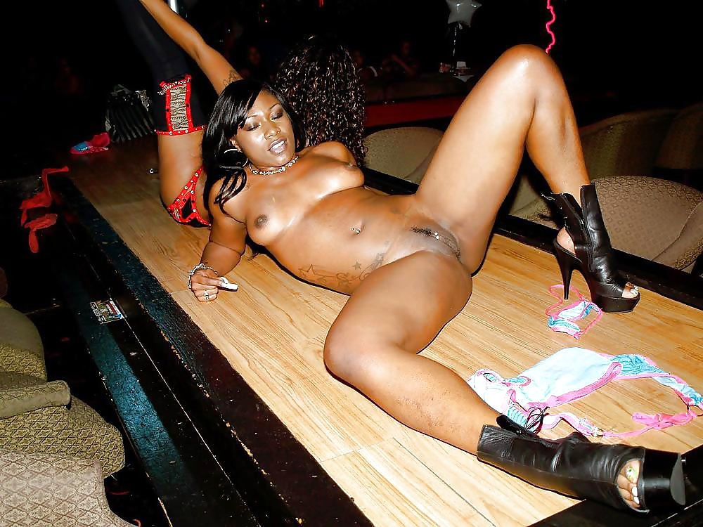 sexy-black-naked-women-strippers