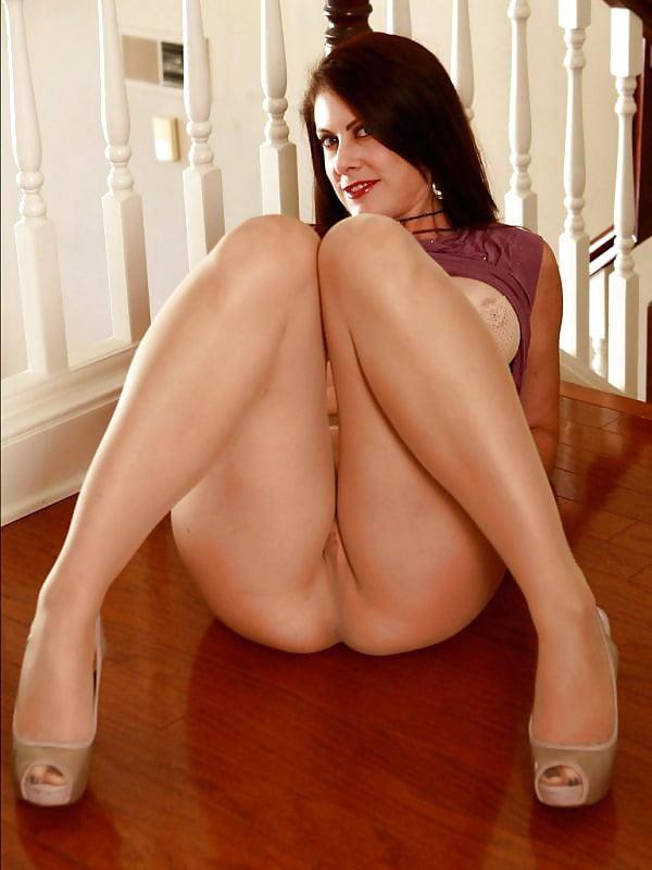 legs-elise-ertotic-sex