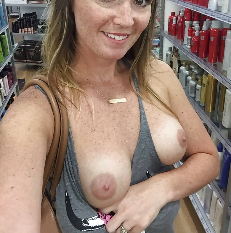 Hot Mom Flashing Tits