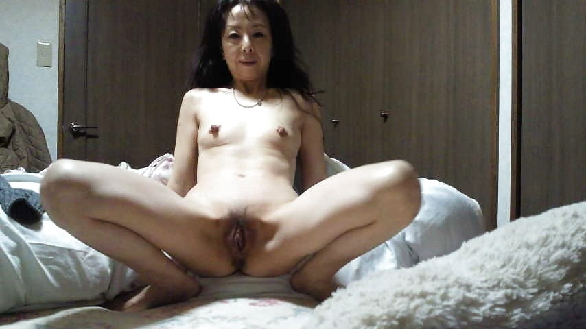 naked-japanese-wives