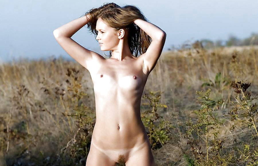 Sexy naked young lady-7052