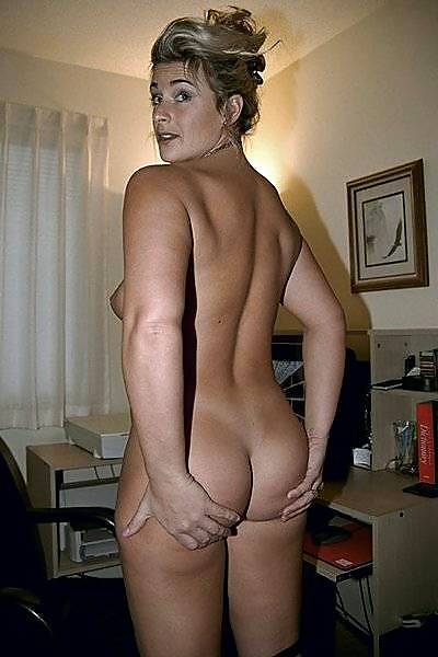 Naked wives mature-4870