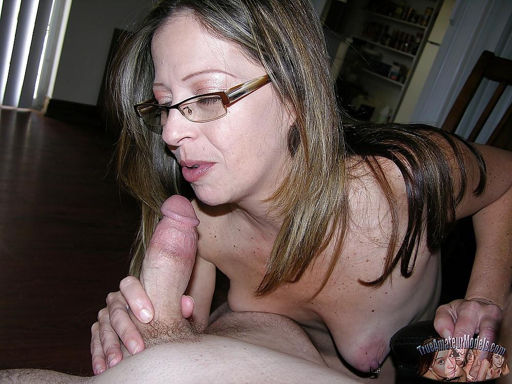 Amateur milf wife blowjob-2030
