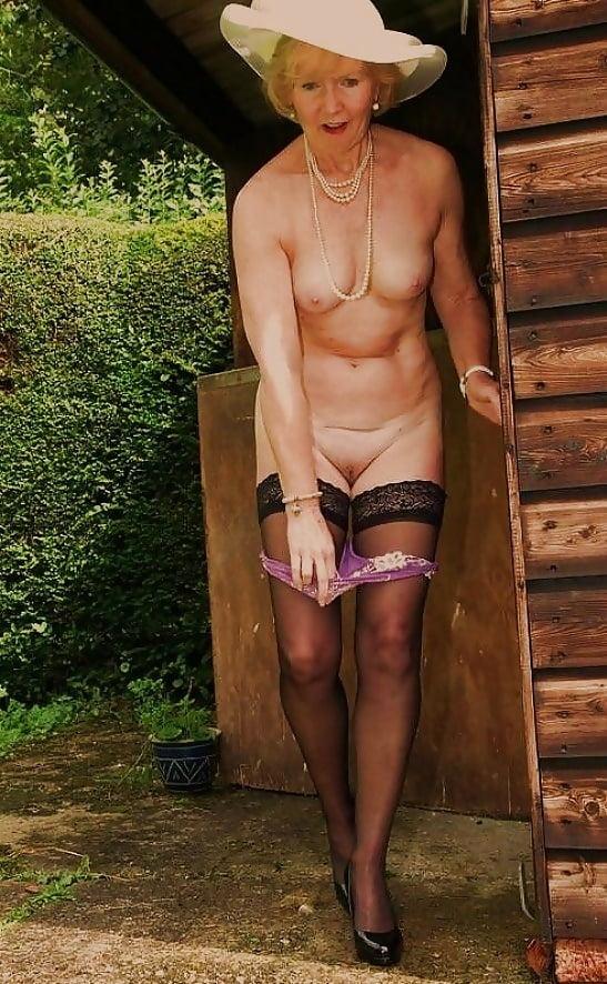 mature-british-sexy-grannies-butt-photos-assholes
