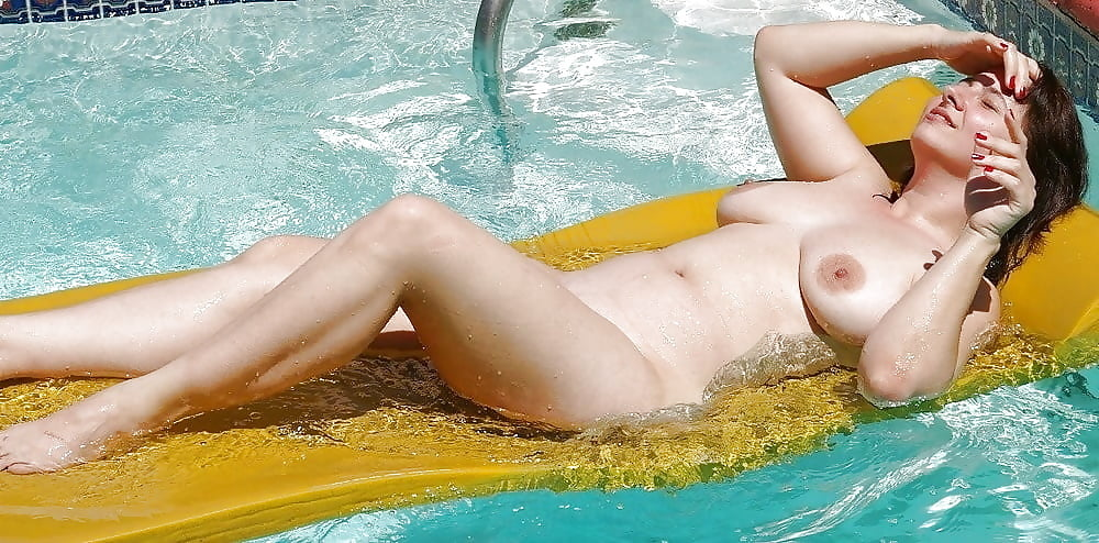 Hardy naked moms naked at the pool