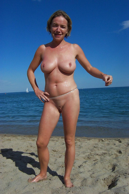 mature-nudist-women-resort
