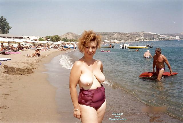 Fingering mature greek video nude