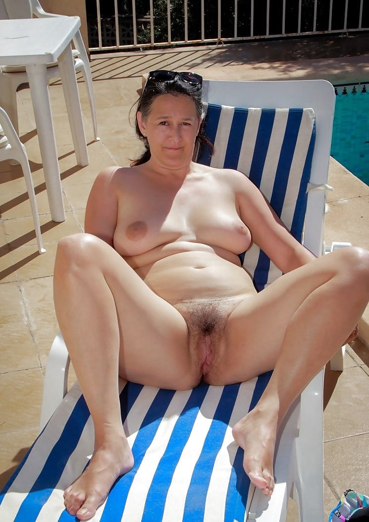 Mature lee nude