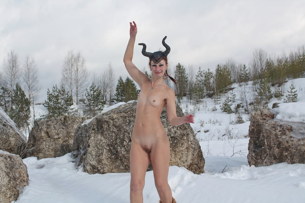 Naked on snow in quarry - 41 Pics