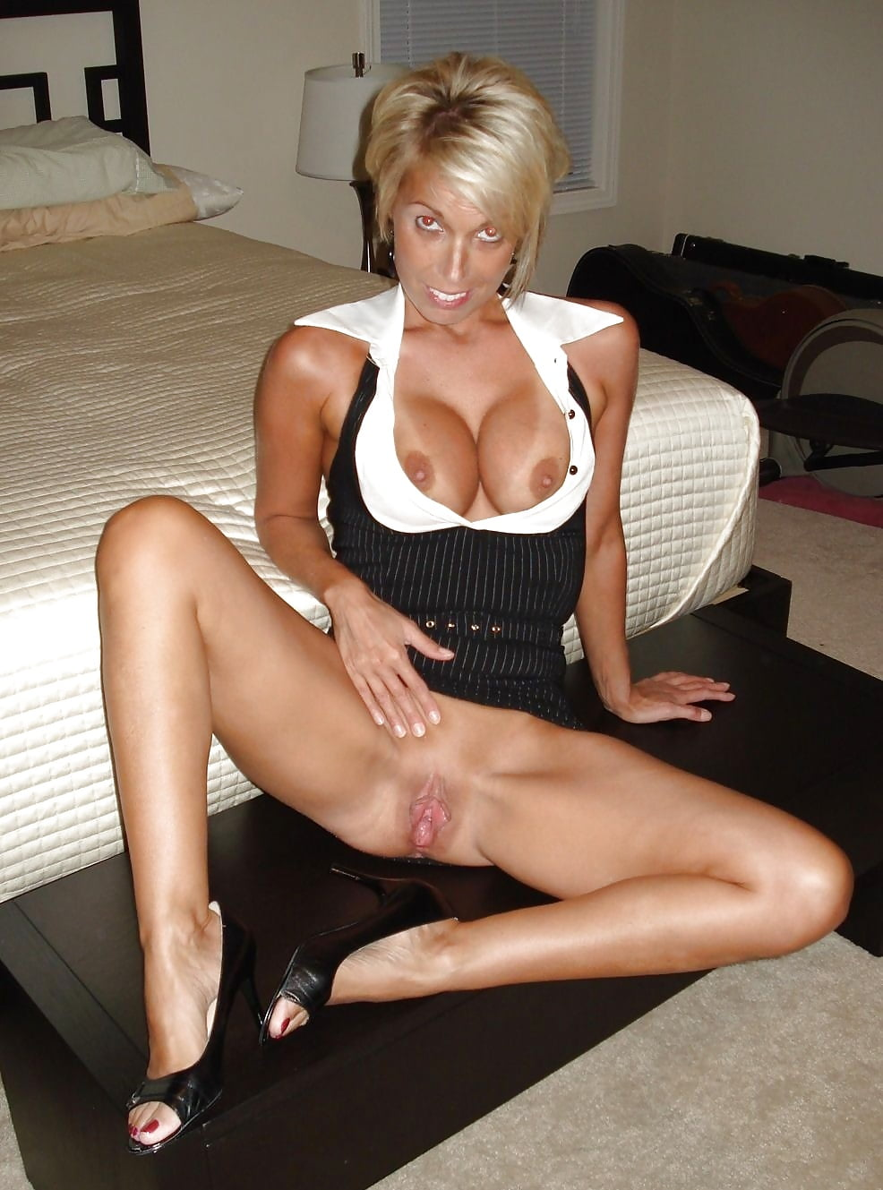Divorcee janet has her thick pubes and gash penetrated - 2 part 6