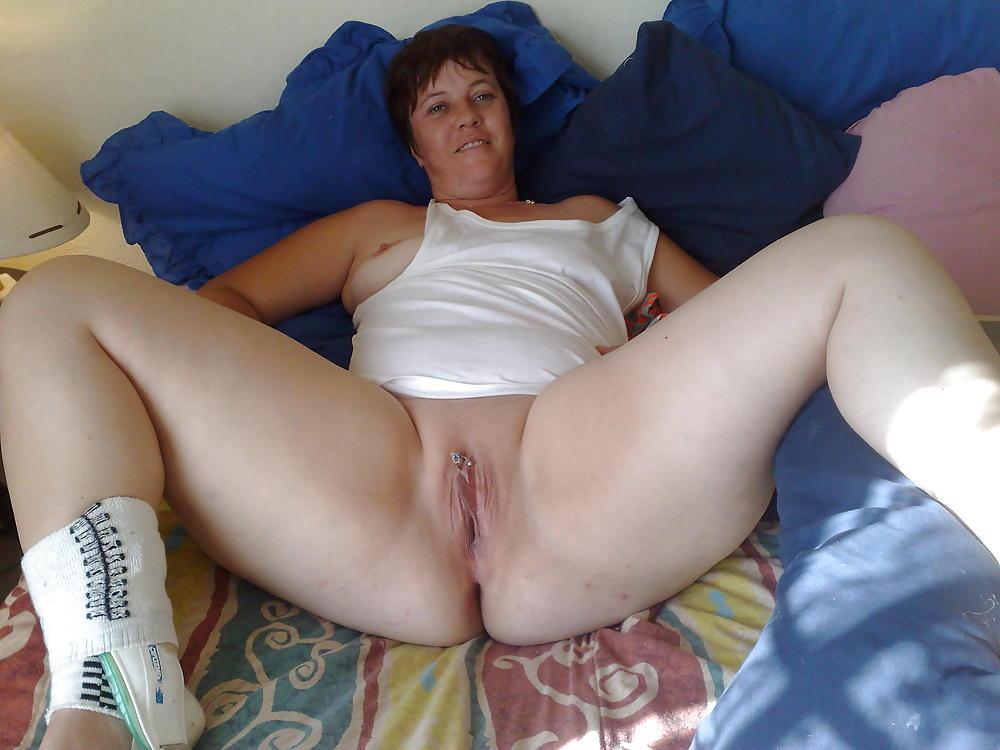 Big booty white girl ass