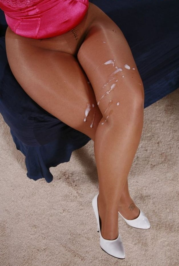 pantyhose-and-cum