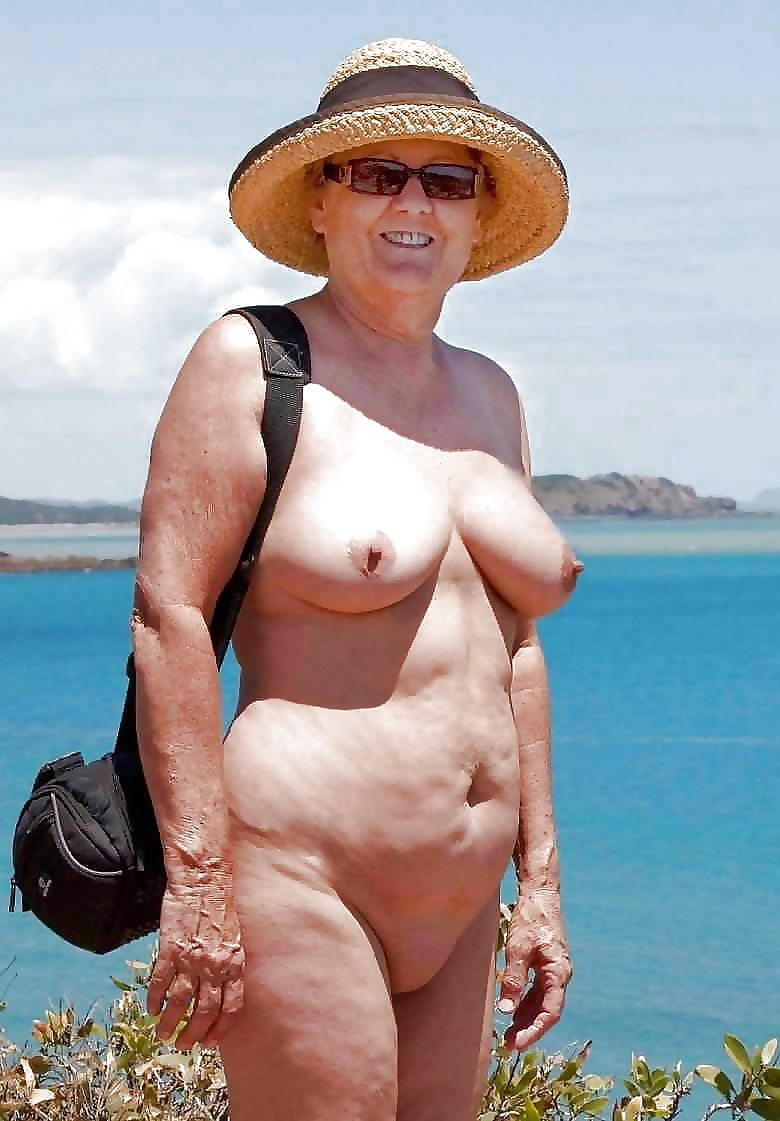 Free pictures of naked sexy grannys #4