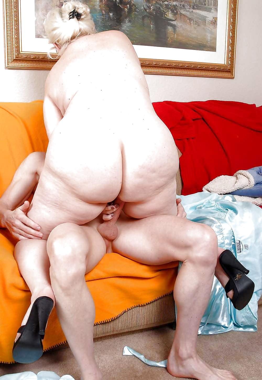 Big ass grannies sex — photo 3