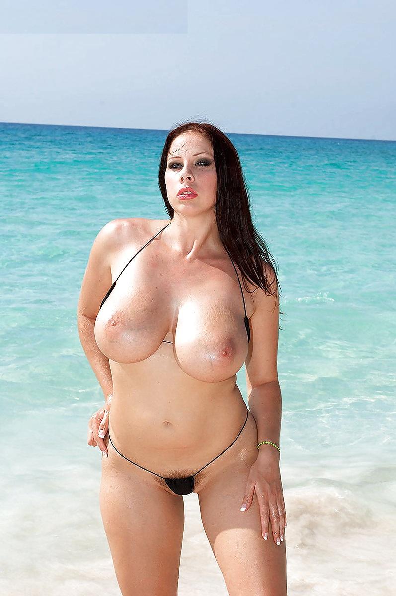 Gianna Michaels Fickt Mit Eingeöltem Und Glänzenden Körper