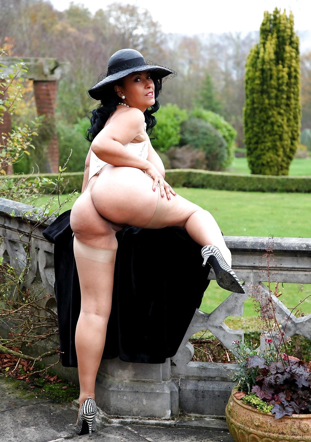 Домашний солидные тетки фото эротика жестко выебали реальное