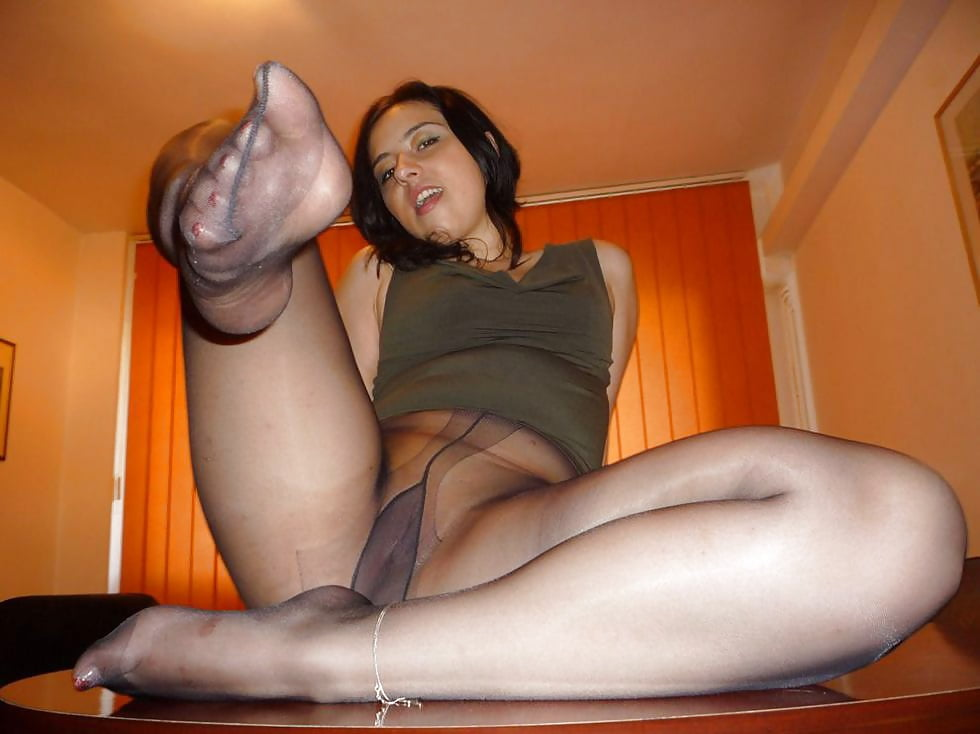 Wife In Nylon Pantyhose Doing Footjob