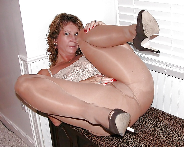 Private pantyhose pics milf office lady