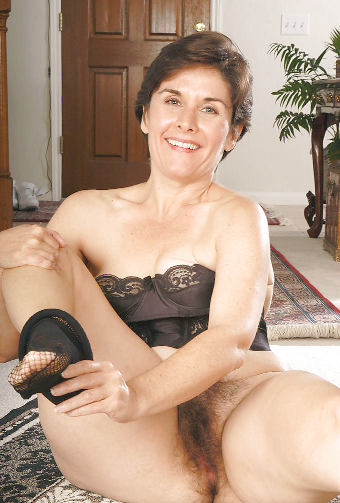 Atk mature hairy leslie videos — photo 2