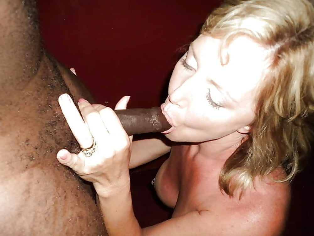 Wifes sucking strange cock
