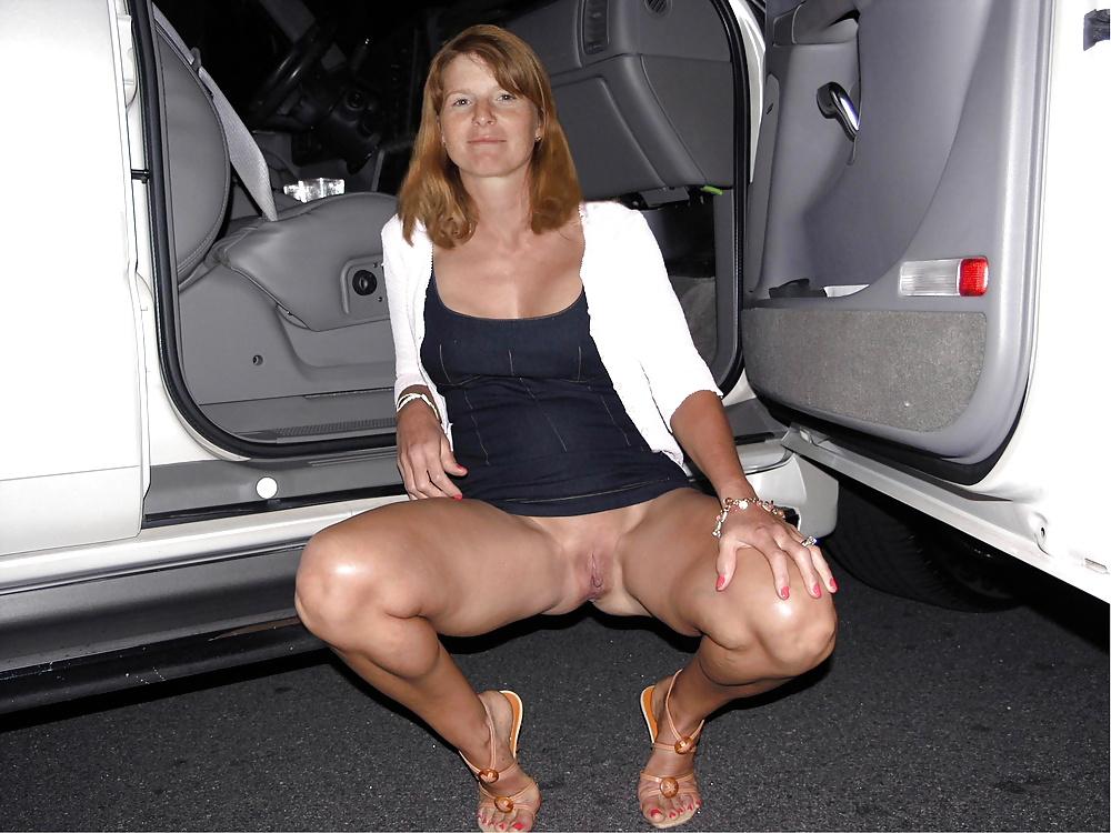 Mom flashing her pussy