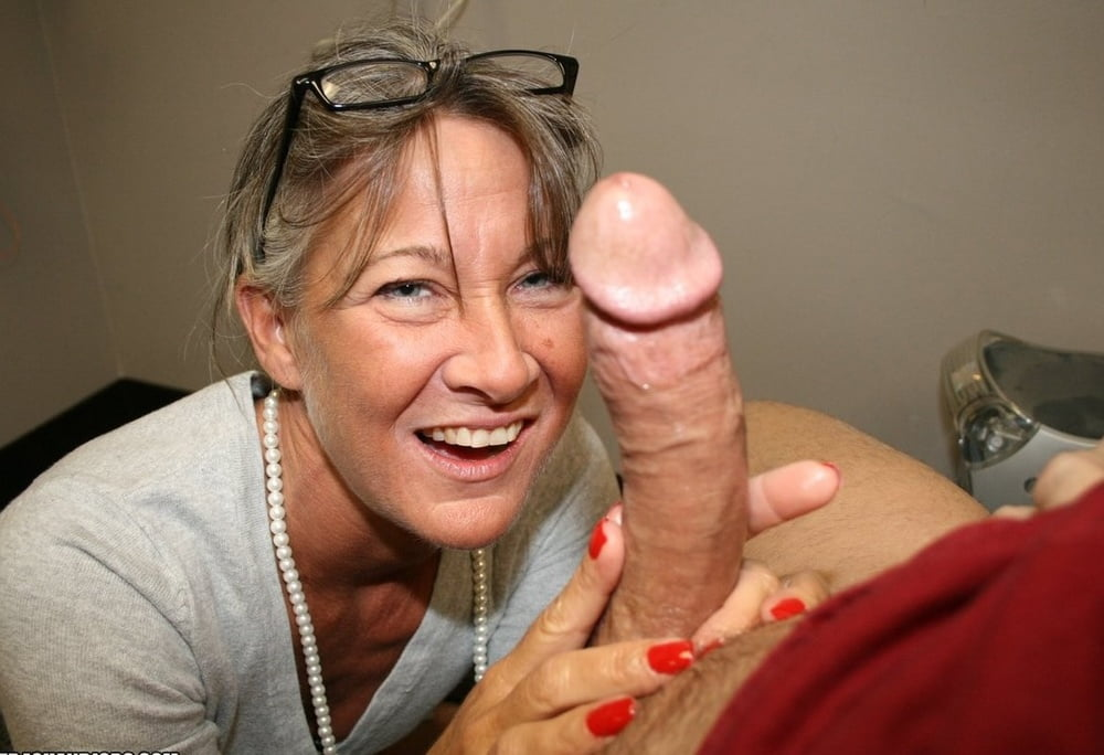 mature-girls-with-dicks