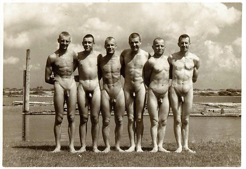 ретро фото голых мужчин быть сидела