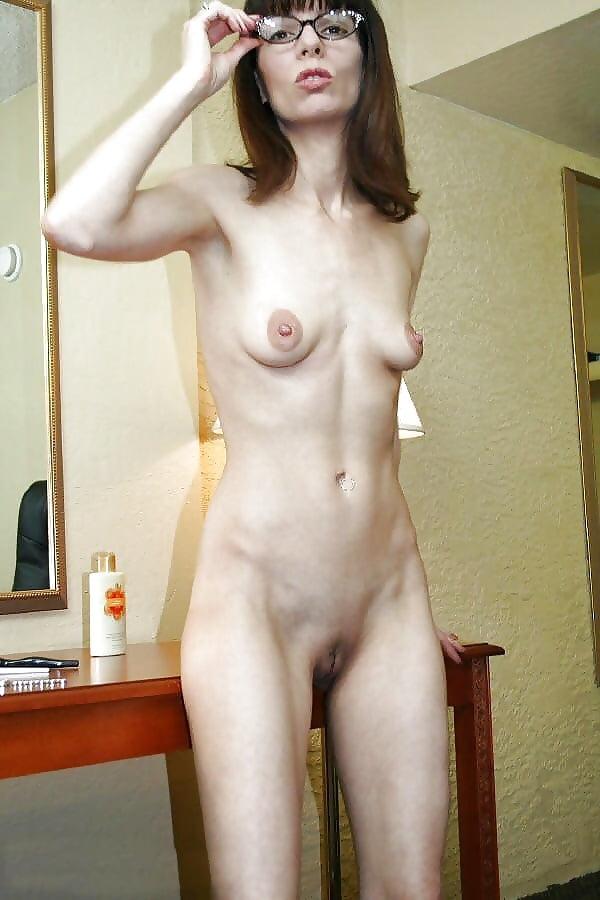 худые голые зрелые женщины встречается парнем