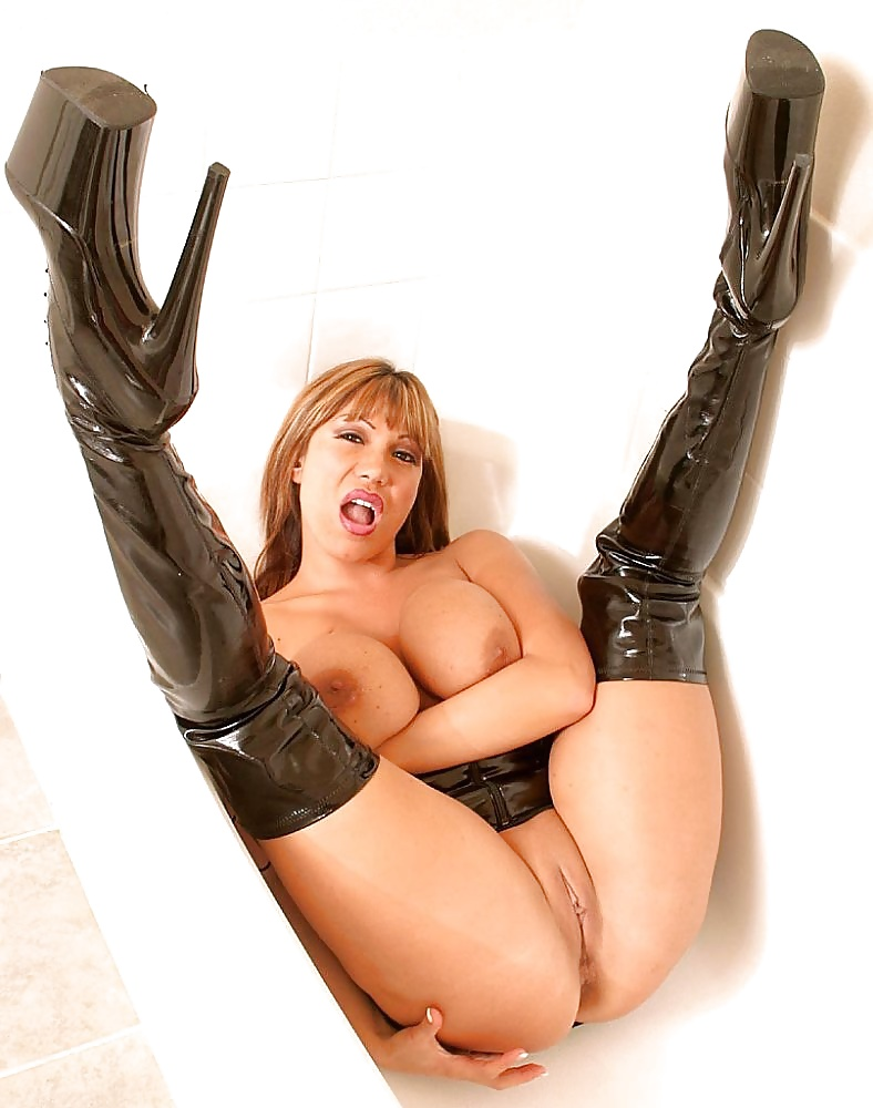 Ava Devine Nasty Latex Milf Wearing Boots - 9 Pics -1456