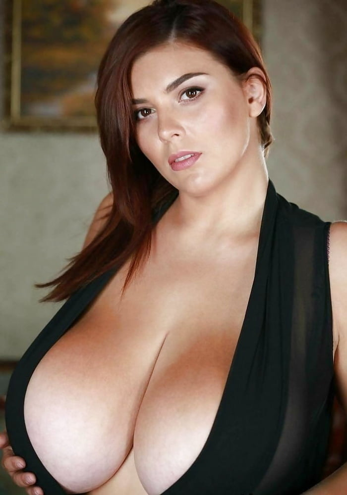 Huge boobs women busty women photos big tits pictures and picture galleries