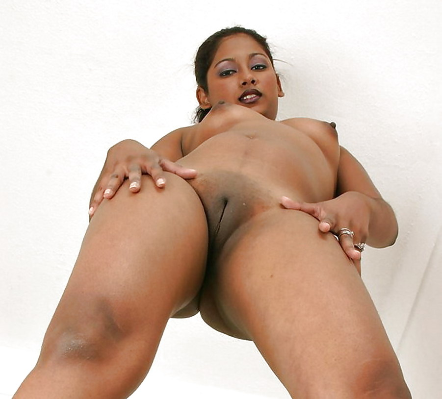 Indian shaved pussy peeing