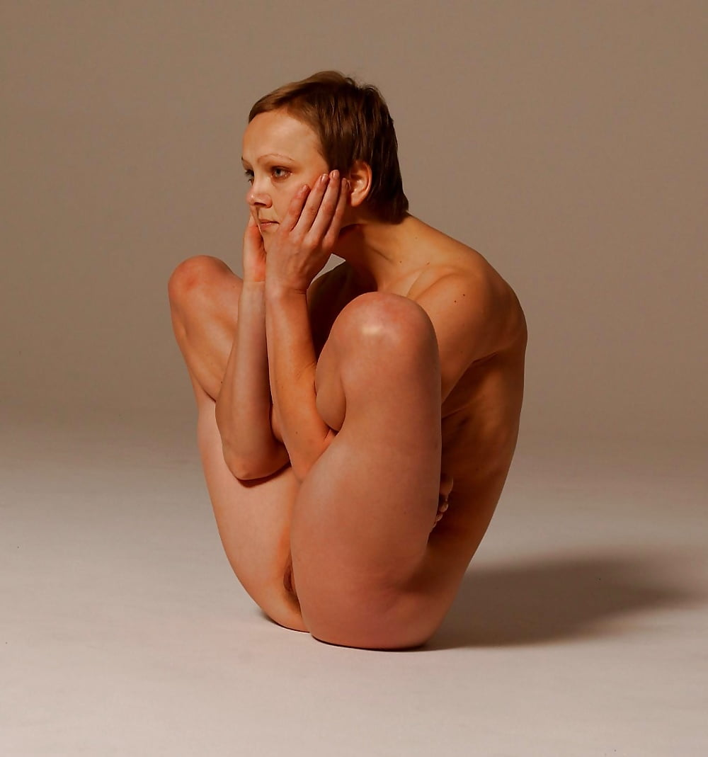 Nude yoga and tychi