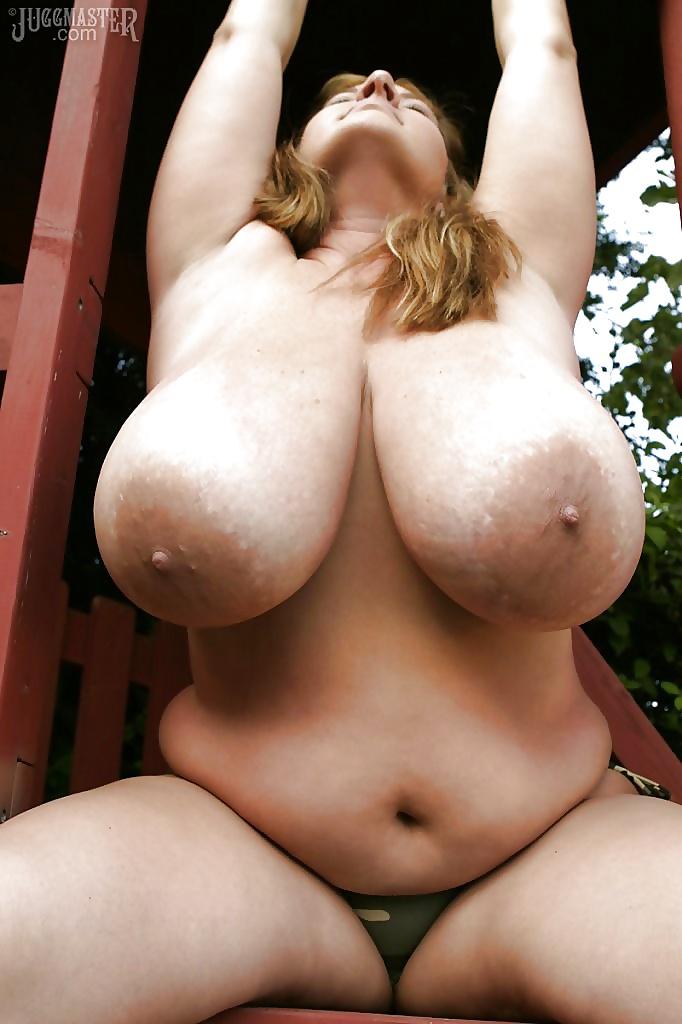 Davina Large Breasts No Bra