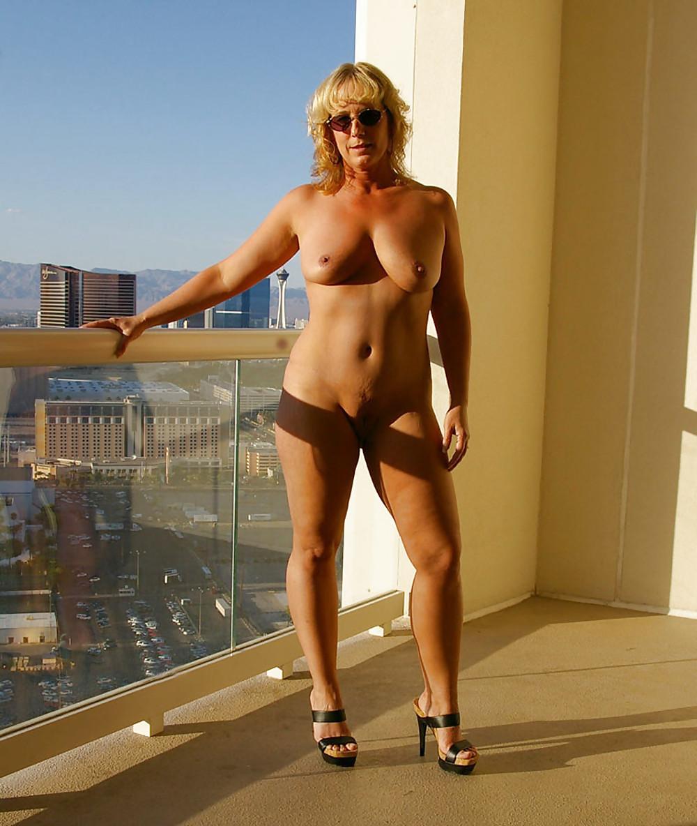 Big naked grannies sexy legs dumas