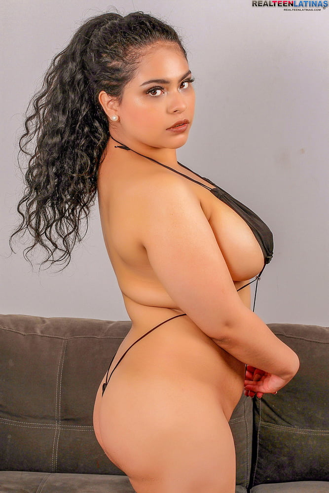 Latina Rossana in her casting - 15 Pics
