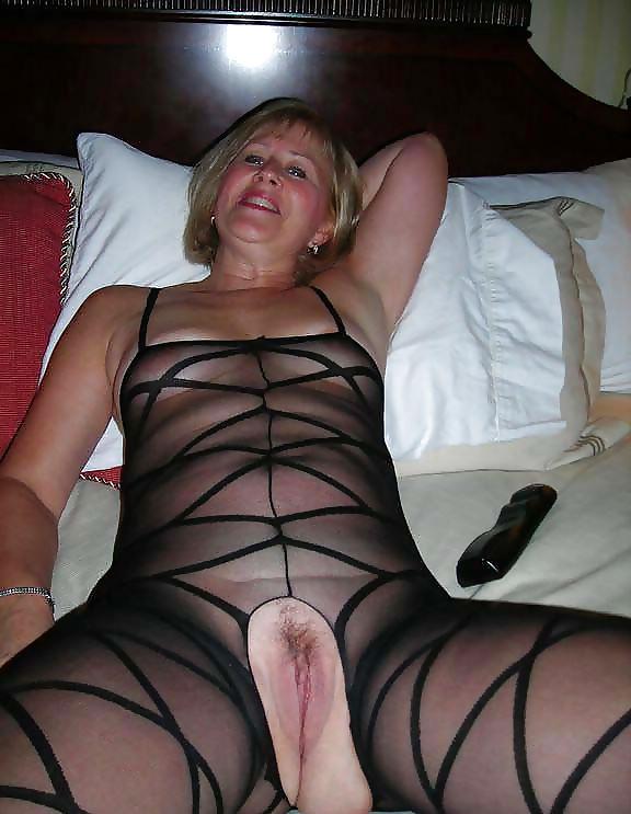 Wife nude crotch porn