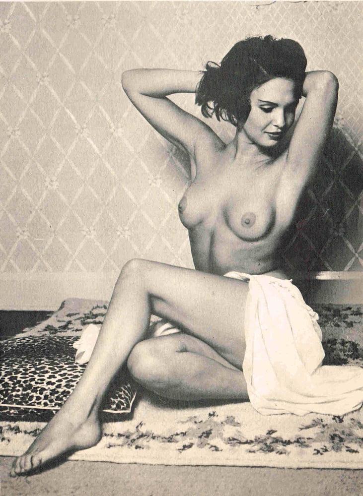 darnell-dockett-nude-tinytits-ex