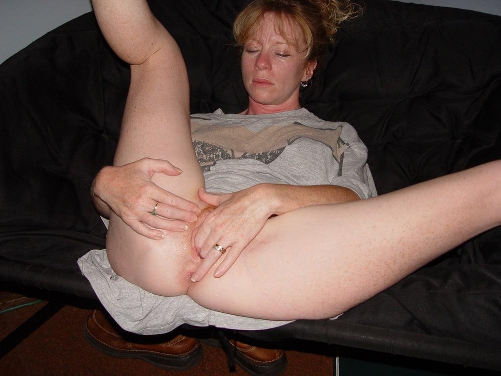 Stunning mature janis getting fingered hard