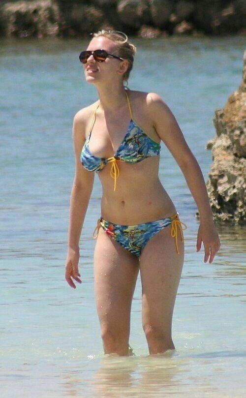 Scarlett johansson bikini photos-7009