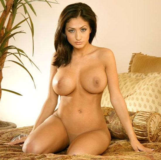 Miss Pooja Nude Bathing