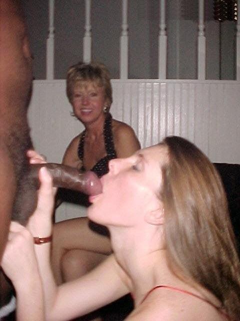 Interracial Oral Sex - 20 Pics