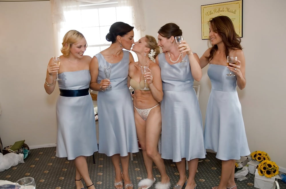 Sexy caught nude at wedding wipe
