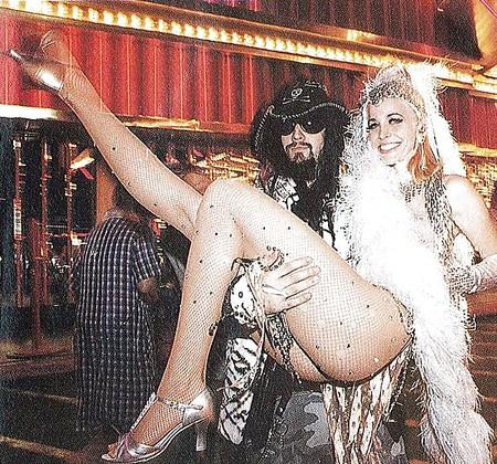 Nude sexy arabica jr women