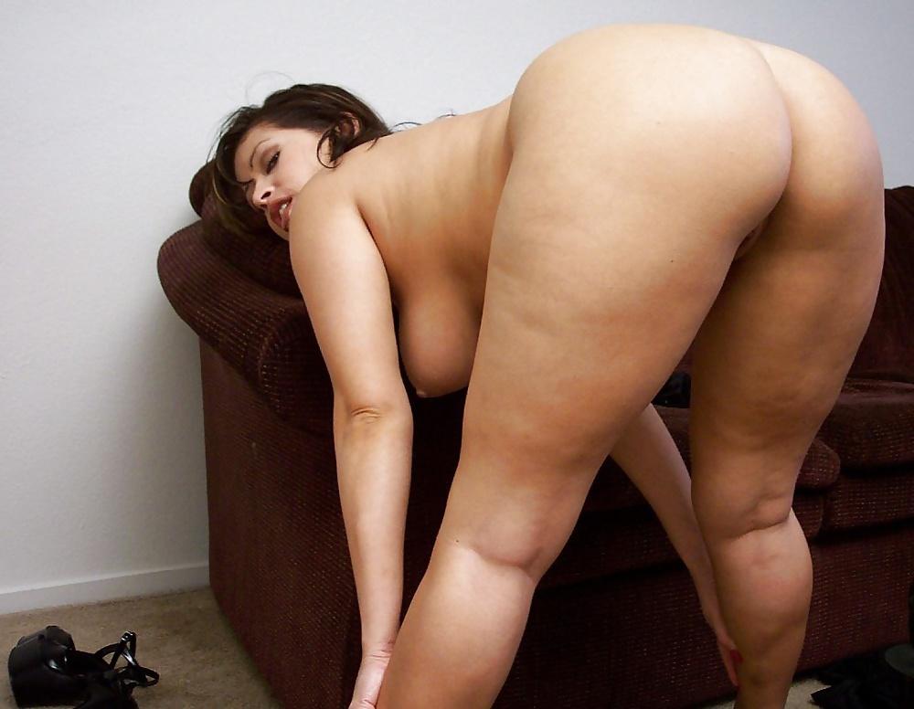 Mature butt pics, big mature ass, big ass moms