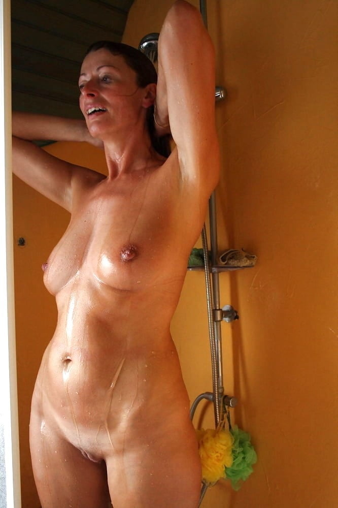 Mature naked mom shower