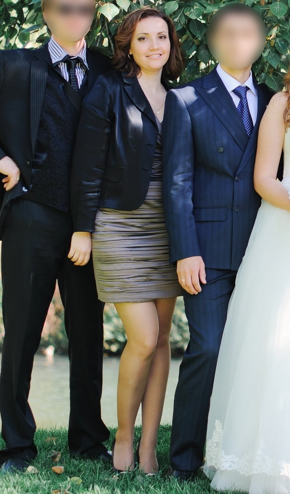 Wedding Guests in Pantyhose - 43 Pics
