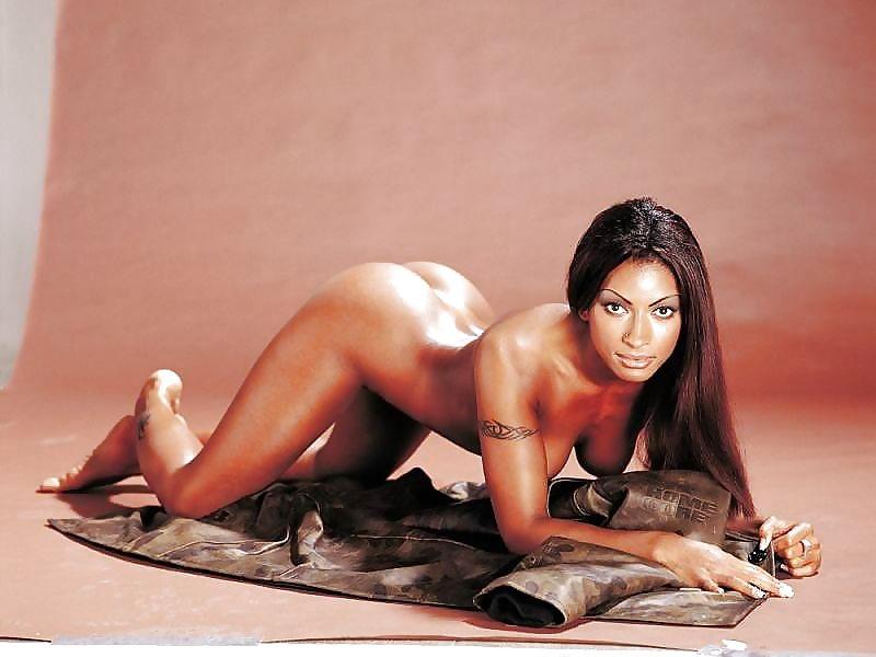 Порно фильмы в главной роли джулия ченел, эро фото девок в форме