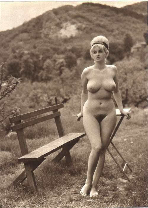 Порно азиаток женщин фото голые ретро смотреть
